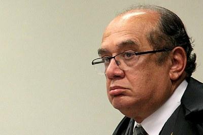 A Oposição, nenhum Supremo, ESTA, cabelo ministro Mendes, MUITO MAIS Bem representada fazer que no Senado POR Aécio Neves