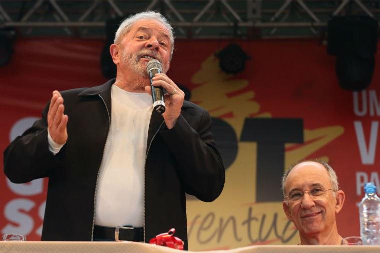 Lula e Rui Falcão, o presidente do PT, em novembro: o ex-presidente é alvo da imprensa